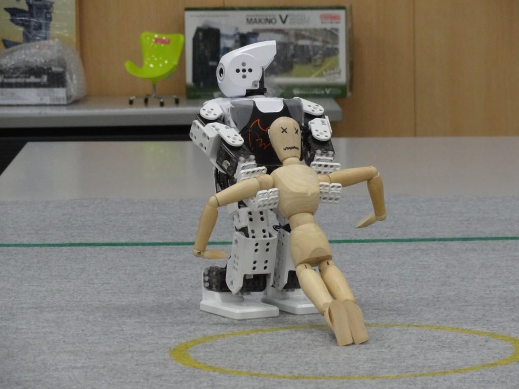 画像6:要救助者を搬送する「DARWIN-MINI」。これと同じ動きが可能になる。